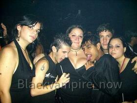blackvampire_now@hotmail.com_6
