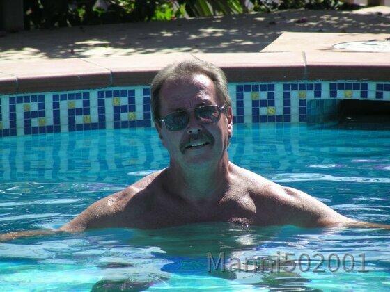Manni im Pool 2006